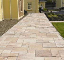 Pack I Indian Sandstone Buff-Riven face and edge